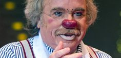 "Circus Roncalli head Bernhard Paul as clown: ""A circus clown is no fool that can be placed on the same level as Berlusconi."""