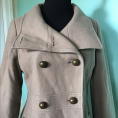 *SALE* Old Navy Wool Coat Camel colored knee length wool coat. It has been in storage so it will need fresh dry cleaned. Gently used condition. It is too big for me now. Smoke free home. Price reflects needing to be dry cleaned. Old Navy Jackets & Coats