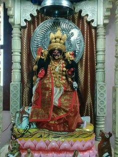 Durga Kali, Kali Mata, Shiva Shakti, Kali Goddess, Mother Goddess, Red Light Bulbs, Mother Kali, Lakshmi Images, Buddha Meditation