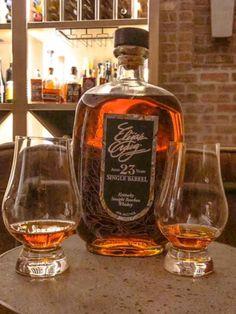 Bourbon Drinks, Bourbon Whiskey, Scotch Whisky, Whiskey Brands, Best Bourbons, Good Whiskey, Tequila, Whiskey Bottle, Rum