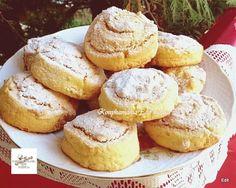 A diós finomságoknak senki sem tud ellenállni, Bread Dough Recipe, Waffle Cake, Hungarian Recipes, Holiday Dinner, Cupcake Cookies, Food To Make, Biscuits, Muffin, Cooking Recipes