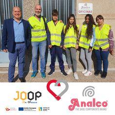 JOOP (Jove Oportunitat) nos visitó para conocer de primera mano el trabajo que desarrollamos en Analco. Pudieron ver nuestras instalaciones y nuestros técnicos les explicaron el proceso de producción. Ha sido un placer recibir a este grupo de jóvenes de JOOP, esperamos haber contribuido en su proyecto vital!