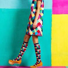 Marimekko's spring collection japan cartoon pop art yumi couture geometric harlequin fashion style mod skater dress and long socks cute kitsch quirky fashion fun alice Pop Art Fashion, Quirky Fashion, Fashion Week, Colorful Fashion, Fashion Prints, Spring Fashion, Fashion Design, Autumn Fashion, 70s Fashion