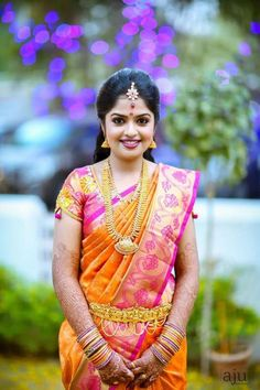 New South Indian Bridal Blouse Designs Silk Fashion Styles 17 Ideas South Indian Bridal Jewellery, Indian Bridal Sarees, Bridal Silk Saree, South Indian Sarees, Indian Bridal Makeup, Indian Bridal Wear, South Indian Bride, Saree Wedding, Indian Wear