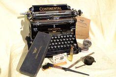 Continental typewriter Schreibmaschine 1931    accessories.