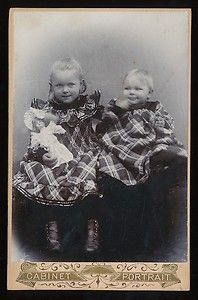 Vintage cabinet card of two German children