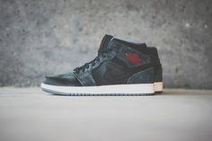 Air Jordan 1 Mid - Blk/Charcoal Suede - Sneaker Politics