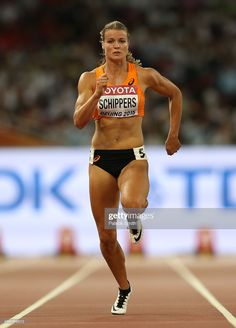 Dafne Schippers of the Netherlands competes in the Women's 100 metres semi-final during day three of the IAAF World Athletics Championships Beijing 2015 at Beijing National Stadium on August Get premium, high resolution news photos at Getty Images Dafne Schippers, Vaquera Sexy, Foto Sport, World Athletics, Fit Black Women, Olympic Athletes, Gymnastics Girls, Sporty Girls, Action Poses