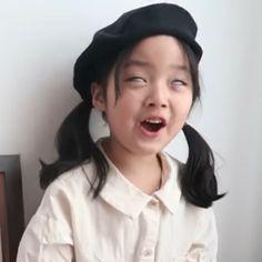 Cute Baby Meme, Baby Memes, Cute Funny Babies, Cute Kids, Cute Asian Babies, Korean Babies, Asian Kids, Cute Baby Girl Pictures, Cute Little Baby Girl
