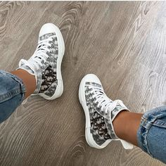Dior Sneakers, Sneakers Fashion, Adidas Sneakers, Chanel Purse, Chanel Handbags, Sneaker Shop, Basket Style, Yeezy, Baskets