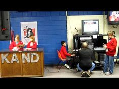 KAND - News Broadcast at Anderson Elementary School - They have matching crew sweaters instead of shirts Morning Show, Morning News, School Tv, School Days, Elementary Tv, Morning Announcements, Kids News, Rock News, Kindergarten Fun