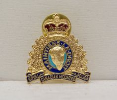 Royal Canadian Mounted Police #RCMP Maintiens Le Droit Lapel Pin #vintage