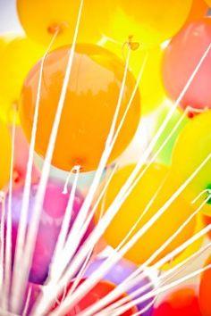 Bright-Yellow-Balloons