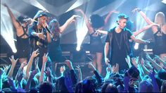 "Justin Bieber & Big Sean Perform ""As Long As You Love Me"" at New Year's ..."