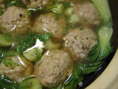 Meatball Soup with bok choy 6 cups basic chicken stock slices unpeeled fresh ginger 2 minced green onions 2 tablespoon sherry (or Chinese cooking wine) 2 tablespoon soy sauce bunches fresh baby bok choy Meatballs 1 lb ground pork 1 tsp mashed garlic Pork Recipes, Asian Recipes, Cooking Recipes, Healthy Recipes, Asian Foods, Delicious Recipes, Hawaiian Recipes, Weeknight Recipes, Chinese Recipes