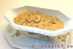 Lyxig svampsås - Lyxig och mycket god svampsås med kantareller och champinjoner. Bilder steg för steg.
