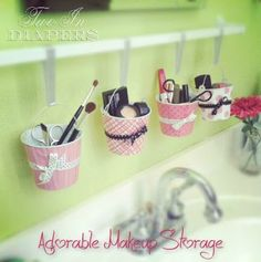 Adorable Makeup Storage Idea! *Maybe use for little one's art supplies*
