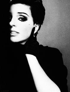 Liza Minnelli, by Richard Avedon.