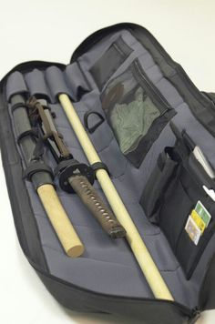 Gear and weaponry carrying case