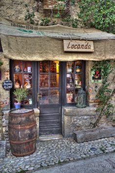 I want to live here now                  Farfa, Lazio, Italy