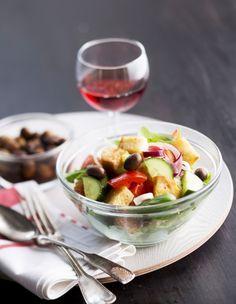 Panzanella-salaatti, resepti – Ruoka.fi - Pancanella Salad from Tuscany