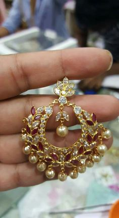 Gold Earrings Designs, Gold Jewellery Design, Bead Jewellery, Temple Jewellery, Gold Jewelry, Jewelery, Designer Jewellery, Trendy Jewelry, Jewelry Sets