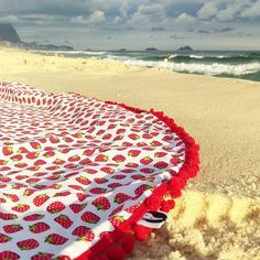 🌅🍓Strawberries delight on the beach! 🍓🌅 The ocean, the calm wind and the lazy sun just make us want to lay down and relax up till noon! 😎🌫🏖 ********************************************* 🍓🌅Moranguinhos lindos na praia!🌅🍓 O mar, a brisa leve e o solzinho preguiçoso  só fazem a gente ter vontade de deitar e relaxar até o fim da tarde! 🏖🌫😎 #setevidasemuma #summer #beach #fruit  #sunset #ocean #beachwear #relax #yoga#roundbeachtowel #bikini  #swimsuit #resort #instapic #lotd #vsco…