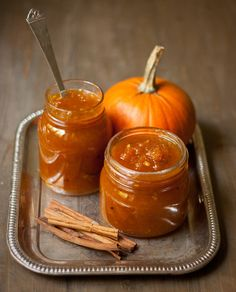 Pumpkin jams and chutneys Jelly Recipes, Jam Recipes, Canning Recipes, Pumpkin Jam, Pumpkin Spice, Pumpkin Butter, Chutneys, Salsa Dulce, Jam And Jelly