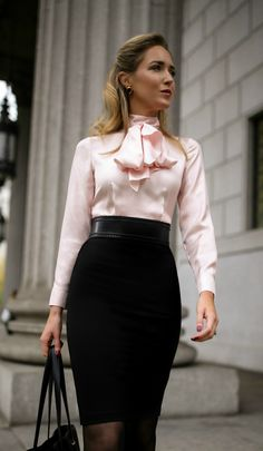 What To Wear To An Interview // Pink and black tie-neck two-toned sheath dress,. What To Wear To An Interview // Pink and black tie-neck two-toned sheath dress, classic black pumps, black waist belt Mode Outfits, Fall Outfits, Fashion Outfits, Womens Fashion, Fashionable Outfits, Fall Dresses, Office Fashion, Work Fashion, Style Fashion