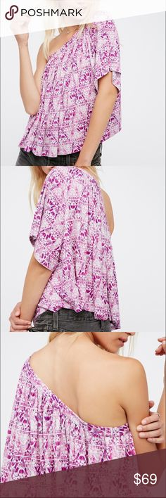 ❤️SALE❤️ Free People Berry Combo Ocean Ave Top Free People Berry Combo Ocean Ave Top. In a one-shoulder silhouette this printed top is cropped to the natural waist and features a flowy body with a short sleeve.  *95% Rayon *5% Spandex *Machine Wash Cold  Top has never been worn. Free People Tops