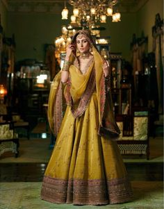 All You Need To Know About The New Sabyasachi Heritage Bridal Collection 'Sultana'. For more such bridal updates, stay tuned. Sabyasachi Lehenga Bridal, Indian Bridal Lehenga, Indian Bridal Outfits, Indian Bridal Fashion, Indian Designer Outfits, Lehenga Choli, Indian Designers, Anarkali Dress, Sabyasachi Bridal Collection