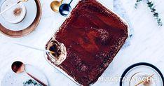 Biszkopty i delikatny krem, którego smak podkreśla kawowa nuta. Pysznie! Kinds Of Desserts, Easy Desserts, Delicious Desserts, Tiramisu, Food Porn, Baking, Eat, Ethnic Recipes, How To Make