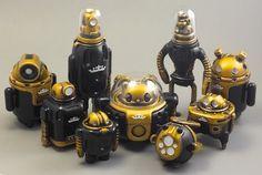 Cris Rose's special black & gold robots