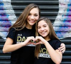 Maddie and Mackenzie Maddie And Mackenzie, Mackenzie Ziegler, Maddie Ziegler, Dance Moms Quotes, Dance Moms Girls, Sisters Forever, Couple Photos, Celebrities, Avengers
