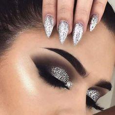 Silver glitter eye makeup, silver eyeshadow looks, glitter makeup looks, smokey eye with Black Eye Makeup, Eye Makeup Tips, Makeup Goals, Makeup Inspo, Makeup Inspiration, Hair Makeup, Makeup Ideas, Silver Glitter Eye Makeup, Silver Smokey Eye
