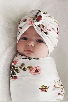 Baby Allover Floral Swaddle Decke und Hut - Hints for Women The Babys, Baby Next, Future Baby, Baby Kind, Baby Love, Beautiful Baby Girl, Cute Baby Pictures, Newborn Girl Pictures, Beautiful Pictures