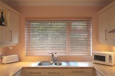 6 Impressive Tips: Blinds Curtain How To Make outdoor blinds curtain rods.Modern Blinds House Design honeycomb blinds for windows.Blinds Ideas Cleaning Tips. Patio Blinds, Outdoor Blinds, Bamboo Blinds, Privacy Blinds, Fabric Blinds, Curtains With Blinds, Blinds For Windows, Roman Blinds, Valance