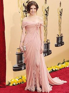 Anna Kendrick in Elie Saab Couture.