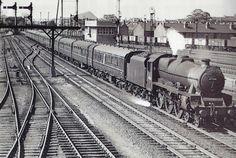 LMS rebuilt Patriot class 45544 on Thames Clyde express duty passing Toton Sidings. Locomotive Engine, Steam Locomotive, Diesel Locomotive, Old Train Station, Steam Railway, Abandoned Amusement Parks, Train Art, Old Trains, British Rail