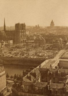 Construction of the Hôtel-Dieu in Paris circa 1870 Old Paris, Vintage Paris, Paris Images, Paris Photos, Old Pictures, Old Photos, Grafik Art, Best Vacation Destinations, Old Photography