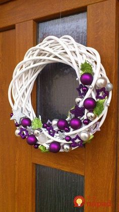 The Chic Technique: White grapevine wreath with purple and silver Christmas ornaments.Trendy letošních Vánoc: Vyhrajete to s bílou, zelenou a fialovou - galerieStunning Useful Tips: Wicker Decoration Chandeliers wicker stool side tables. Wreath Crafts, Diy Wreath, Christmas Projects, Holiday Crafts, White Wreath, Purple Wreath, Ornament Wreath, Grapevine Wreath, Purple Christmas