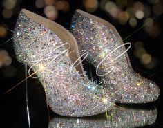 Bling, bling.....winter wedding shoe/boots? So very pretty & unique. Sparkle Shoe Booties