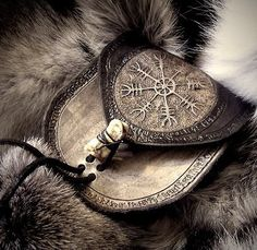 Vikings and pagan things Iron Age, Skyrim, Disney Films, Elf Rogue, Viking Aesthetic, Vegvisir, Look Boho, Norse Mythology, Barbarian
