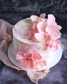 23 Clever DIY Christmas Decoration Ideas By Crafty Panda Beautiful Wedding Cakes, Beautiful Cakes, Amazing Cakes, Mini Cakes, Cupcake Cakes, Flower Cake Design, Wedding Sweets, Painted Cakes, Dessert Decoration