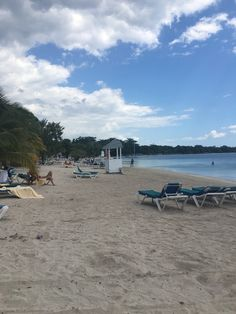 Gorgeous beach at the clubhotel Riu in negril Jamaica   • • • • • • • •   #travelwriter #travel #instatravel #travelgram #tourism #instago #passportready #travelblogger #wanderlust #ilovetravel #writetotravel #instatravelling #instavacation #travelblogger #instapassport #postcardsfromtheworld #traveldeeper  #travelstroke #travelling #trip #traveltheworld #igtravel