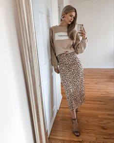 Leopard skirt/ cheetah skirt/ animal print/ satin skirt/ midi skirt/ nude sweatshirt/ nude outfit/ fall outfit/ 2019 trends Cheetah Skirt, Nude Skirt, Skirt Midi, Nude Outfits, Fall Outfits, Casual Outfits, Fashion Outfits, Skirt Fashion, Pencil Skirt Outfits