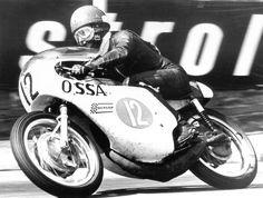 PHOTOS de COURSES 1950 / 1960 – Le Blog de François Fernandez Manx, Bugatti, Peugeot, Honda, Fastest Man, Bmw, Road Racing, Black And White Pictures, Courses