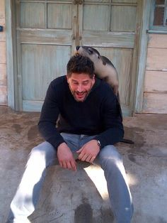 Joe Manganiello @ Taronga Zoo in Sydney 27-07-2013