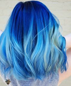 ombre blue hair | mermaid | highlights | layer cut | curly | long hair styles | pastel | light blue | green