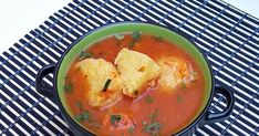Supa de rosii cu galuste din gris Thai Red Curry, Food And Drink, Ethnic Recipes, Soups